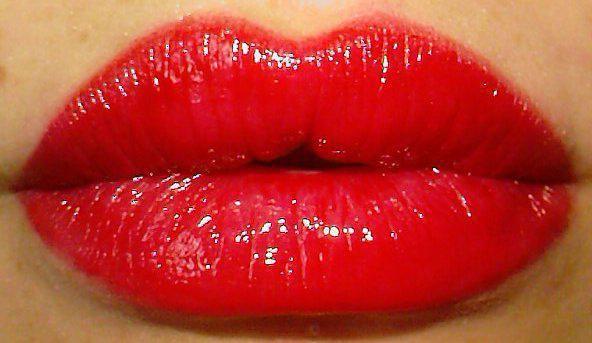 Фото - Тренажери для збільшення губ: особливості, відгуки, як використовувати