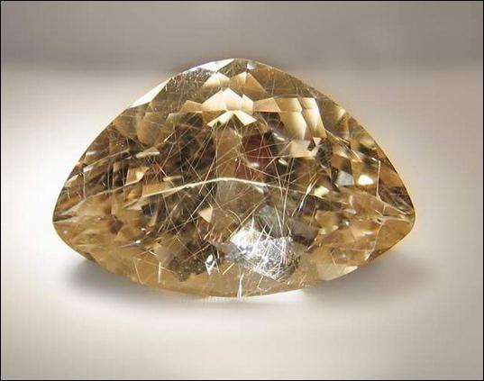 Фото - Волосатик (камінь волосся венери). Фото, властивості і значення
