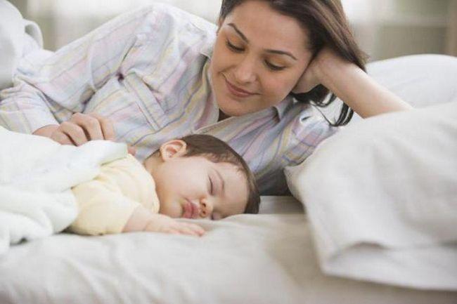 Фото - Здригається уві сні новонароджений: чому і що робити?