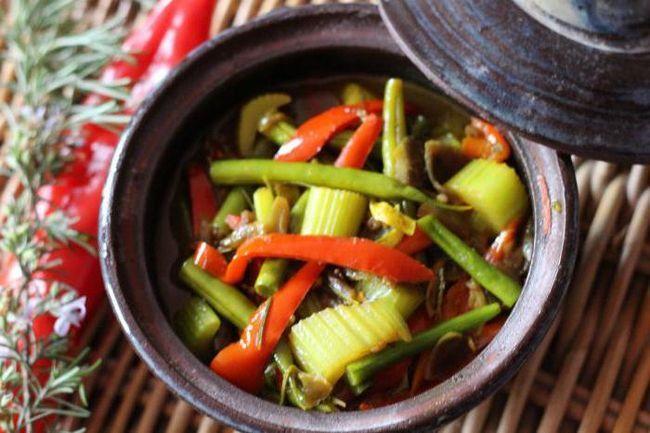 заготовки на зиму салат з квасолею