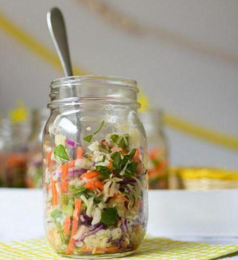 Фото - Заправка для щей на зиму без капусти і з капустою, з помідор без варіння: рецепти