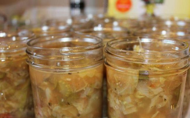 зимовий салат з огірків з гірчицею