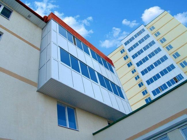 Фото - Чим відрізняється балкон від лоджії? Основні моменти