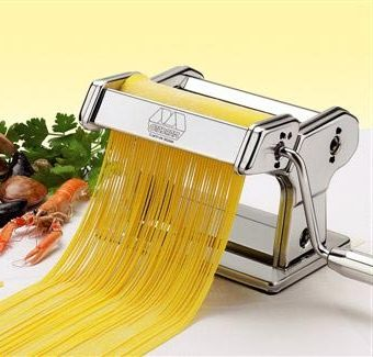 Фото - Цікаве кухонне обладнання: лапшерізка ручна