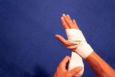 як зав'язати боксерські бинти