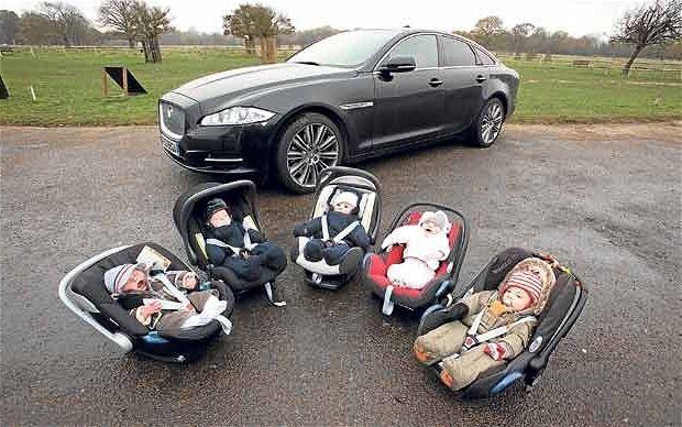 безпечне автомобільне крісло для дітей