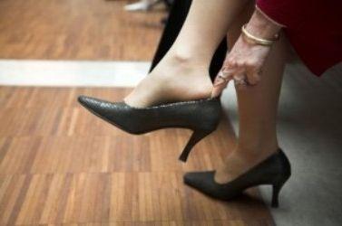 Фото - Як розносити тісне взуття: корисні поради