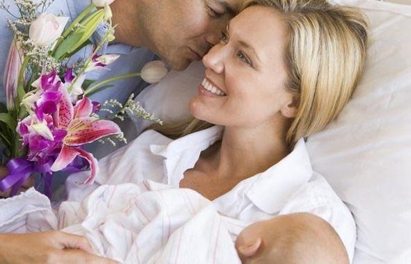 Фото - Як зустрічати дружину з пологового будинку. Посібник для молодих тат і чоловіків
