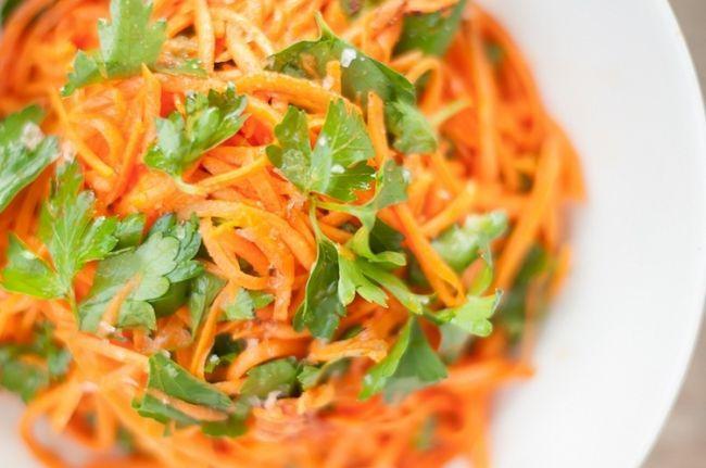 Салат з корейською морквою і куркою