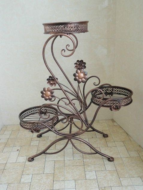 Фото - Ковані квіткарки: старовинне ремесло прикрашає наш побут