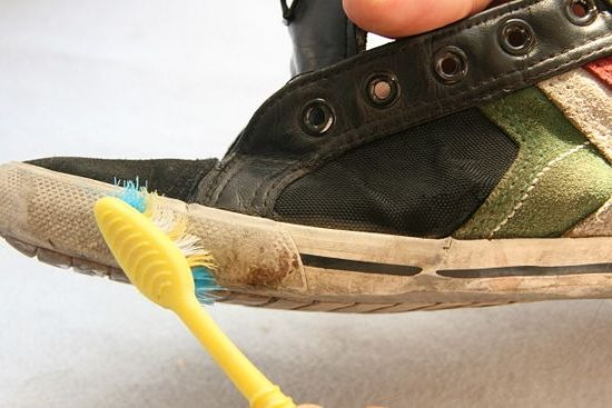 Фото - Чи можна прати кросівки в пральній машинці? Поради та рекомендації