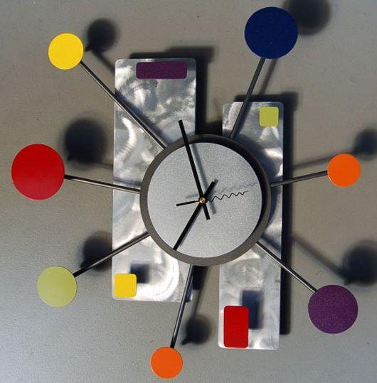 Фото - Оригінальні годинники: настінні і наручний