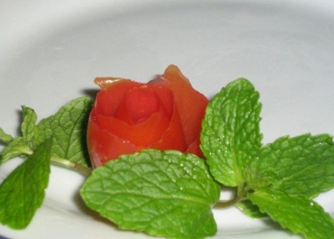 Красива нарізка овочів і фруктів