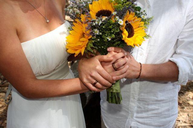 Фото - Привітання з дерев'яним весіллям. Що подарувати на 5 років спільного життя?