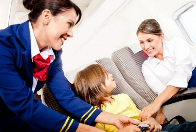 Фото - Скільки отримують стюардеси в