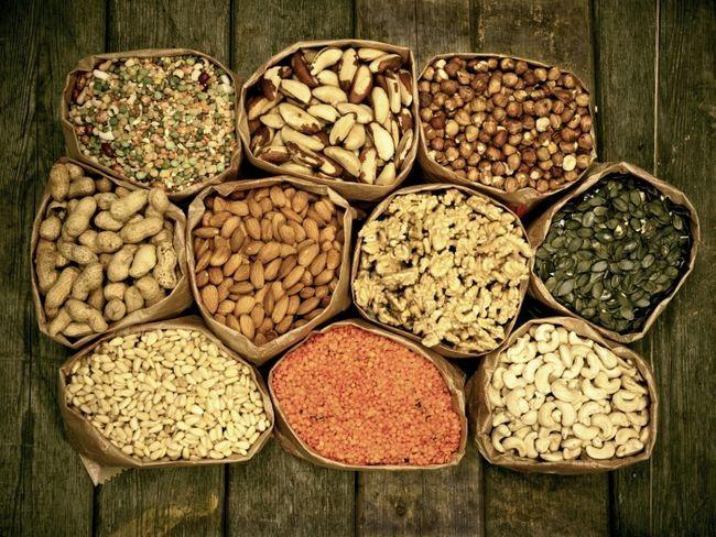 будову жирів білків і вуглеводів