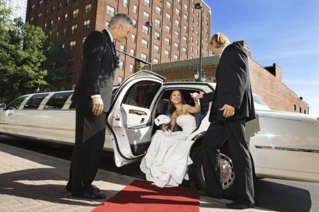 Фото - Зустріч молодих на весіллі (сценарій)
