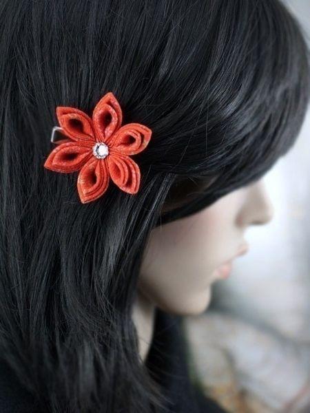 Фото - Виконані в техніці канзаши троянди - чудове прикраса для волосся