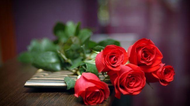 Фото - Що приховано в букеті квітів. Скільки дарувати троянд дівчині?