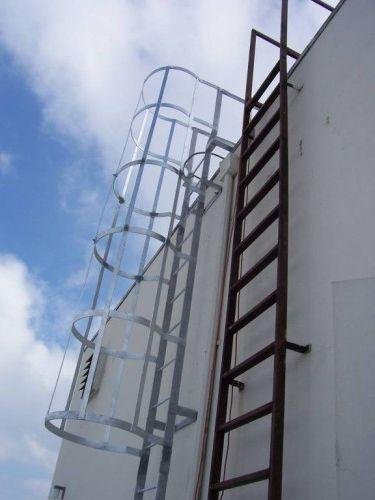 Фото - Випробування пожежної драбини, періодичність випробувань