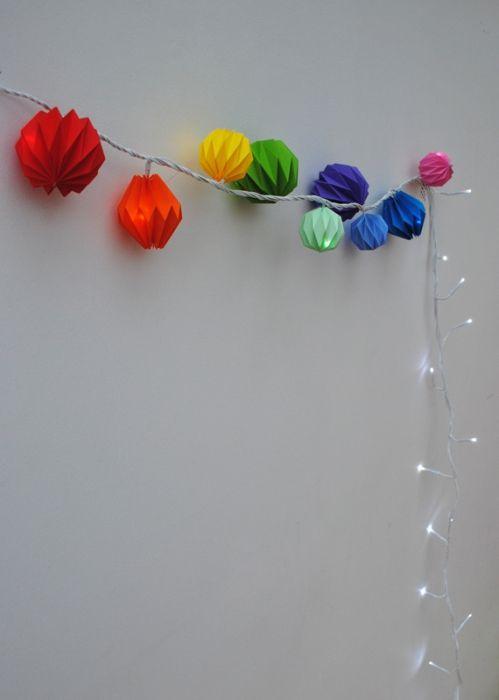Фото - Як зробити кульки з паперу своїми руками?