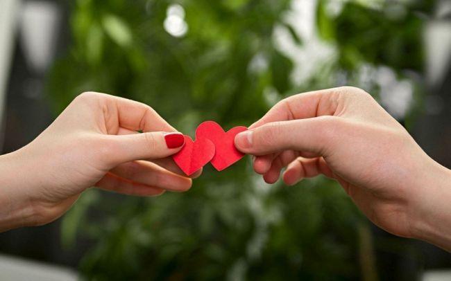 Фото - Кому молитися, щоб знайти другу половинку? Молитва на любов і заміжжя