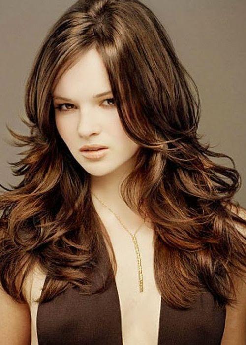 об'ємна стрижка на довге волосся