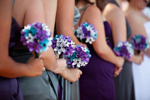 оформлення весілля квітами і тканиною