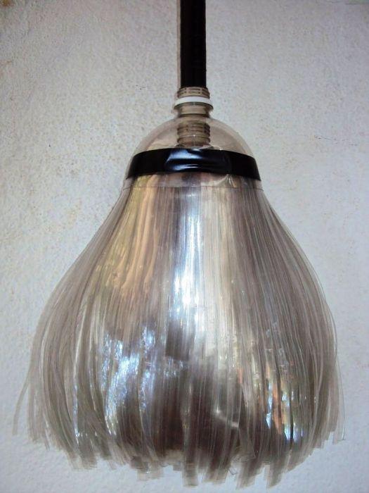 Фото - Корисна саморобка - мітла з пластикової пляшки своїми руками