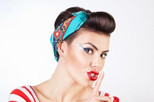Фото - Зачіски пін-ап. Красиві жіночі зачіски