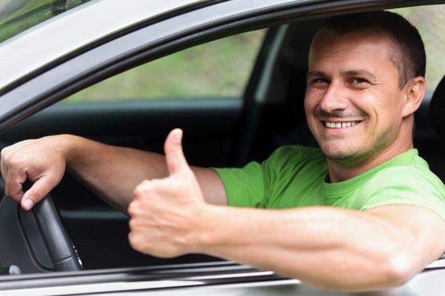 Фото - Сонник: водити машину - значення і тлумачення сну