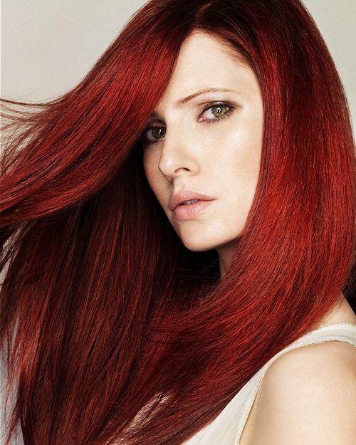 Фото - Темно-червоний колір волосся