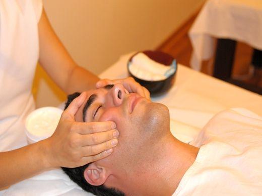 Фото - Точковий масаж обличчя - ефективний вплив на шкіру. Масаж для омолодження обличчя