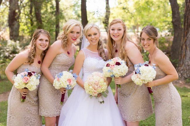 Фото - Зворушливі слова подрузі на весілля в прозі