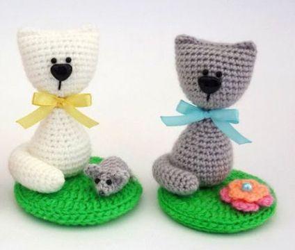 в'язані іграшки коти гачком