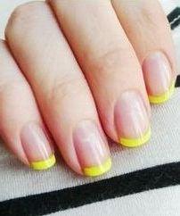 жовтий френч на нігтях
